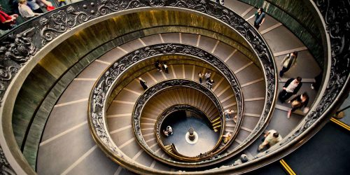 Spiral_staircase_in_the_Vatican_Museums